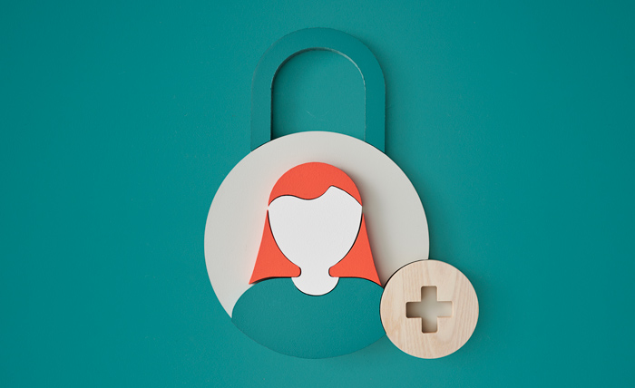 Qnister GDPR By Design. Woman in green padlock
